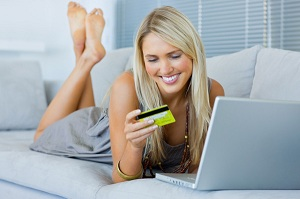 Kredi Kartlı Kadın